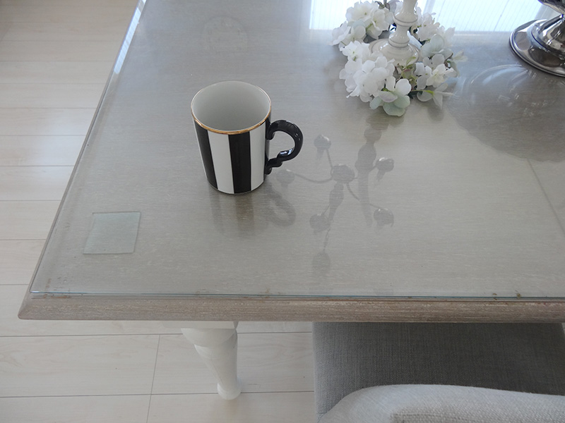 2年経過。塗装したテーブル天板アップ