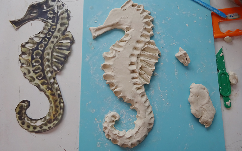 タツノオトシゴ 粘土手作り 作り方2