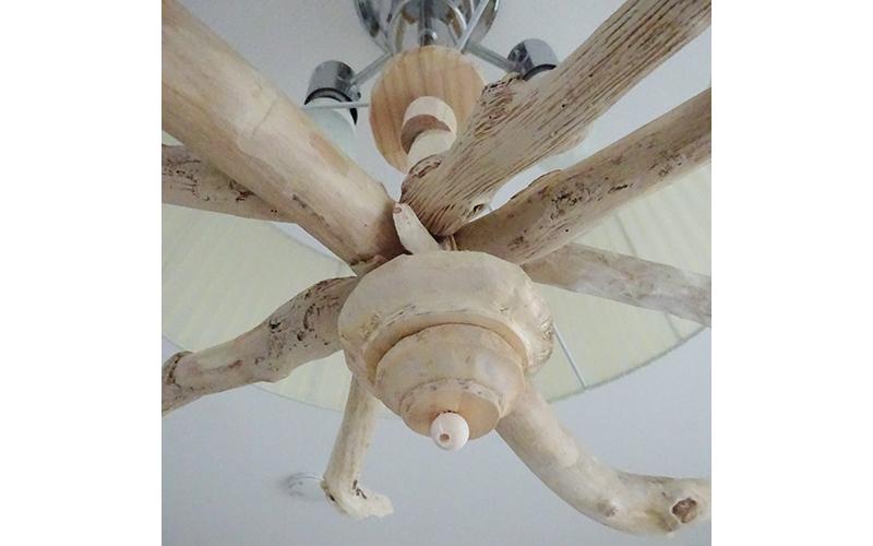 シャンデリア風の先端の飾りを端材で作った