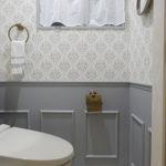 腰壁DIY+オリジナルダマスク柄壁紙でトイレをフレンチテイストに♪